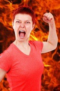 haragvó nő